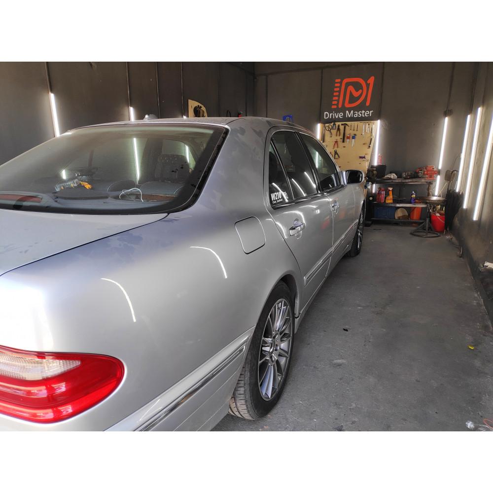 Установка автозвука в Mercedes Benz W210