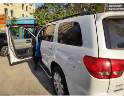 Установка сигнализации с автозапуском на Toyota Sequoia 2008 года